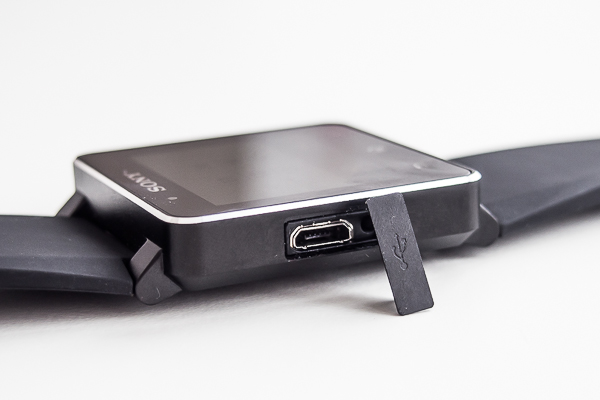 Sony Smartwatch 2 USB Port
