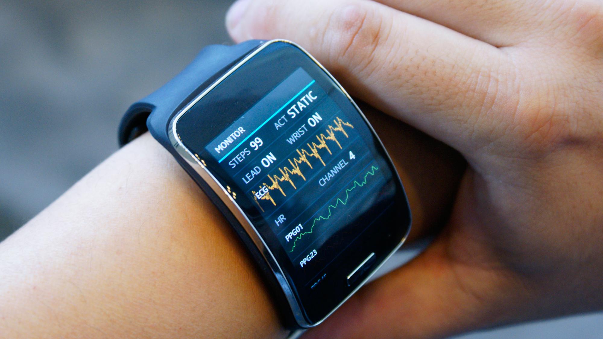 Samsung-Simband-health-tracker-redesign